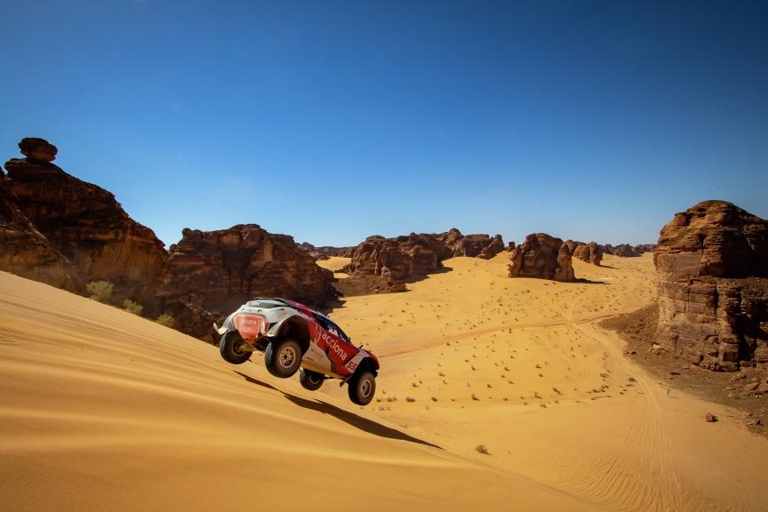 ALULA, SAUDI ARABIA - APRIL 03: Laia Sanz/Carlos Sainz (ESP), Acciona | Sainz XE Team during the Desert X-Prix at AlUla on April 03, 2021 in AlUla, Saudi Arabia. (Photo by Colin McMaster / LAT Images)