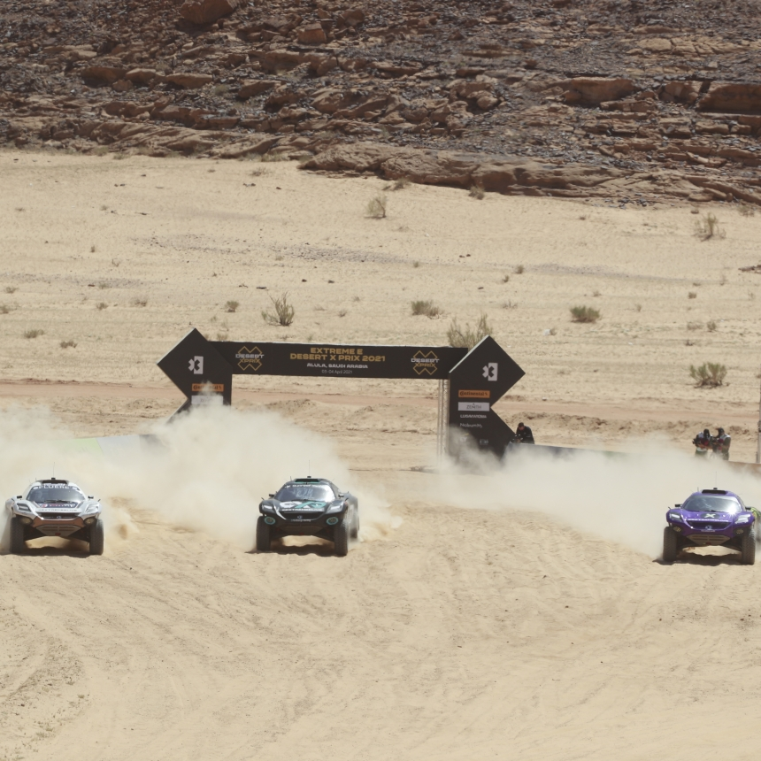 ALULA, SAUDI ARABIA - APRIL 04: Extreme E final Catie Munnings (GBR)/Timmy Hansen (SWE), Andretti United Extreme E Molly Taylor (AUS)/Johan Kristoffersson (SWE), Rosberg X Racing Cristina Gutierrez (ESP)/Sebastien Loeb (FRA), X44 during the Desert X-Prix at AlUla on April 04, 2021 in AlUla, Saudi Arabia. (Photo by Steven Tee / LAT Images)
