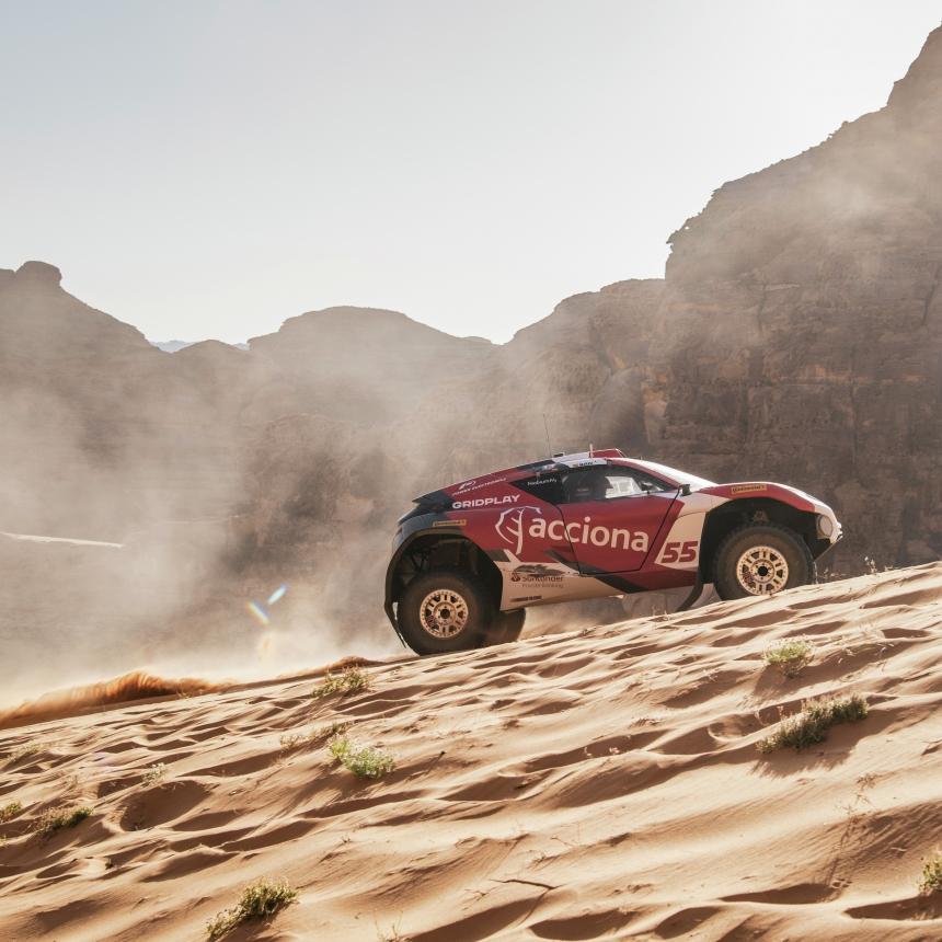 ALULA, SAUDI ARABIA - APRIL 04: Laia Sanz/Carlos Sainz (ESP), Acciona | Sainz XE Team during the Desert X-Prix at AlUla on April 04, 2021 in AlUla, Saudi Arabia. (Photo by Charly Lopez / LAT Images)